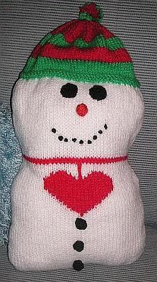 Snowman Cushion Knitting Pattern : knitted cushion knittinggalore